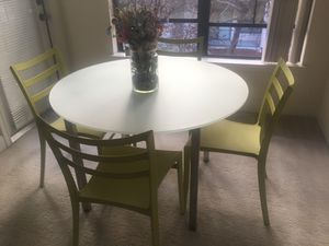 Kitchen table and chairs for Sale in Lone Tree, CO