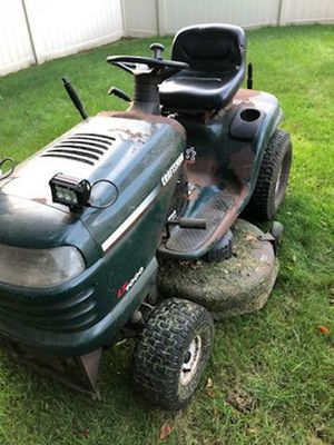 Ride on tractor mower $350 for Sale in Woodbridge Township, NJ