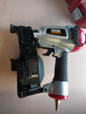 Pneumatic roofing nailer Harbor Freight for Sale in Portland, OR