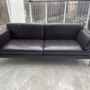 Fremont Area: FREE LOVESEAT - MUST PICK UP for Sale in Fremont, CA