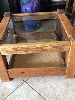 Wooden Coffee Table for Sale in Long Beach,  CA