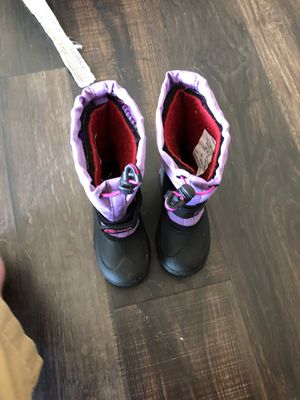 Free kids snow boots for Sale in Des Moines, WA