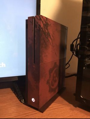 Xbox one 1 tb gears of war edition for Sale in Los Angeles, CA
