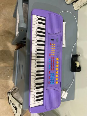 Barely used Piano keyboard!! for Sale in The Bronx, NY
