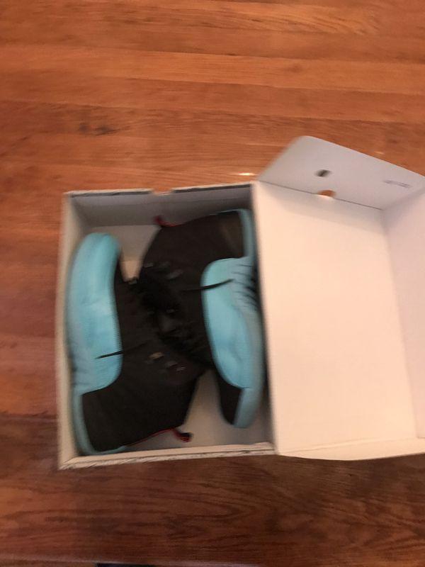 Air Jordan 12 size 10.5 excellent condition