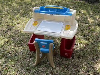 Child Kids Play Desk By Step 2 for Sale in Oldsmar,  FL