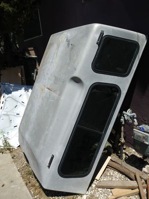 $$300$$ 1990 toyota pickup camper shell shortbed for Sale in Anaheim, CA