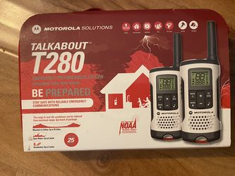 Motorola Talkabout T280 Rechargeable Two-Way Radio Bundle for Sale in Garden Grove,  CA