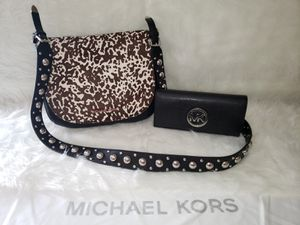 Michael Kors Calf Hair Hayes Messenger Bag With Wallet. for Sale in San Diego, CA