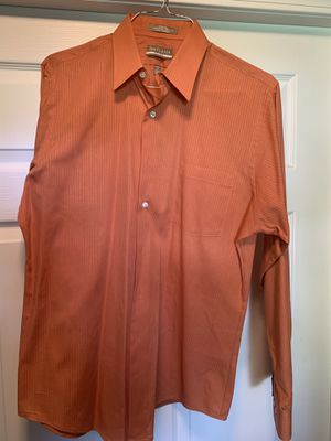 Van heusen dress shirt for Sale in Cadwell, GA