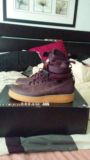 Nike SF Air Force 1 Burgandy size 9.5 men for Sale in San Leandro, CA