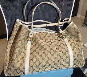 Authentic Gucci Handbag for Sale in Issaquah,  WA