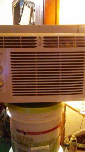 5000 BTU window air conditioner for Sale in Obetz, OH