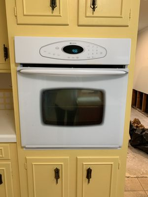 Maytag, electric oven (220v) for Sale in Beaumont, TX
