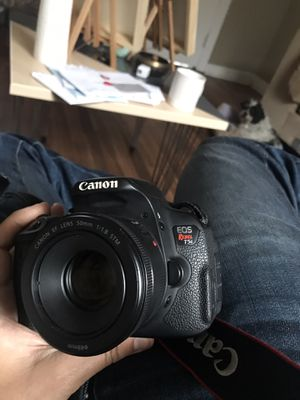 Canon Rebel T5i (with lenses & accessories) for Sale in Los Angeles, CA