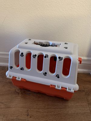 Toy pet carrier $3 for Sale in Beaumont, CA