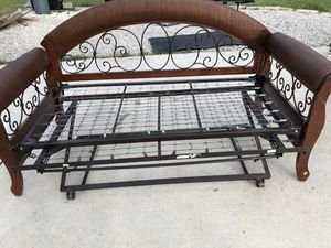 Twin Day Bed w/trundle for Sale in Austin, TX
