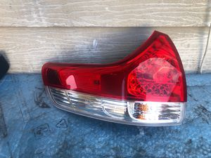 2011-2012-2013-2014 TOYOTA SIENNA TAIL LIGHT LEFT DRIVER SIDE OEM USED for Sale in Gardena, CA