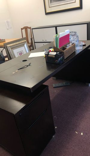 Contemporary office furniture cost $2000 new for Sale in Del Mar, CA