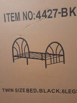 BRAND NEW/UNOPENED BLACK TWIN SIZE METAL BEDFRAME WITH HEADBOARD AND FOOTBOARD for Sale in Newburgh Heights,  OH