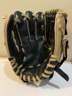 Boys left handed Baseball Glove for Sale in Royersford, PA