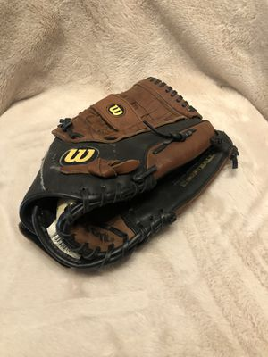 Wilson 13'' softball glove for Sale in Houston, TX