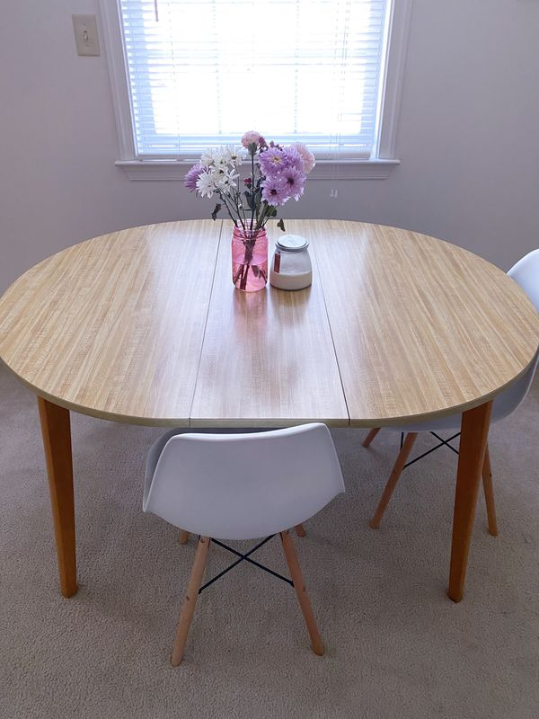 Round Wooden Table w| Leaf Extension (Chairs NOT Included)
