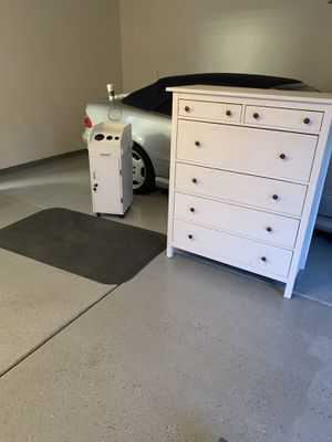 Dresser and barber anti fatigue mat for Sale in Santa Ana, CA