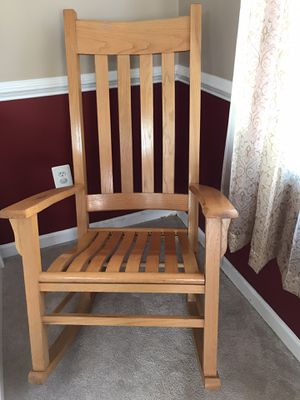 Wooden Rocking Chair in excellent condition for Sale in Germantown, MD