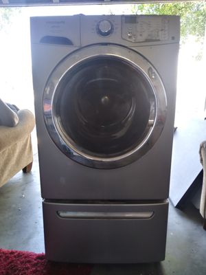Frigidaire affinity - Washer & Dryer for Sale in Winter Haven, FL