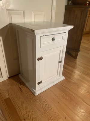 Painted Rustic Pine Side Table for Sale in Redmond, WA