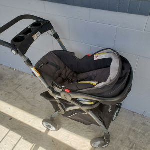 Graco infant Car seat and stroller for Sale in Orlando, FL