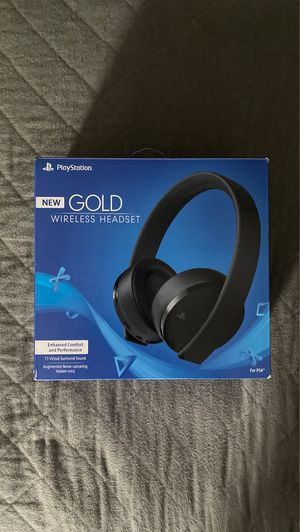 PS4 Gold wireless headset for Sale in Grove City, OH