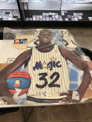 Life size 1993 - 𝑺𝒉𝒂𝒒 𝑨𝒕𝒕𝒕𝒂𝒒 - in Orlando Magic Jersey - 7 foot Standing Shaq for Sale in Tampa, FL