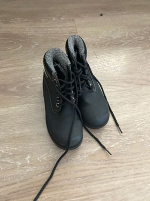 Snow boots size 13 (kids) for Sale in Long Beach, CA