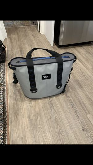 Yeti Cooler for Sale in Davenport, FL