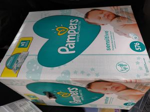 Pampers sensitive wipes 576 count for Sale in Los Angeles, CA