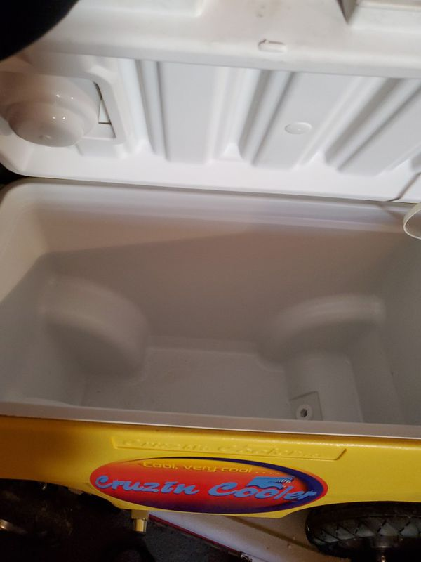 Cruzin Motorized Cooler With Trailer