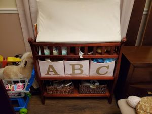 Changing table, changing pad with cover for Sale in Miami, FL