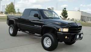 power seats 2001 Dodge RAM 1500 4X4 for Sale in Chicago, IL