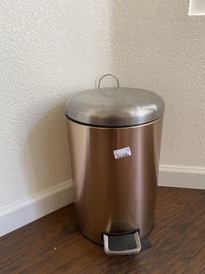 steel 12 litter/3 gallon trash can with step pedal for Sale in Chandler, AZ