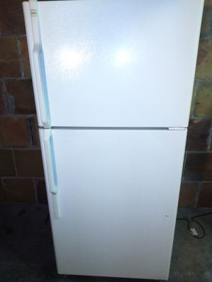 Refrigerator works good for Sale in York, PA