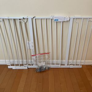 Regalo Extra Wide Span Baby Gate for Sale in Zephyrhills, FL