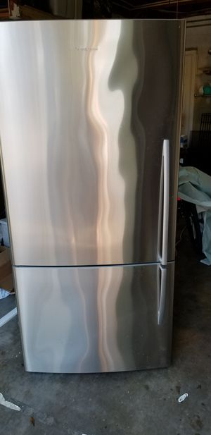 Fisher & Paykel Refrigerator for Sale in Orlando, FL