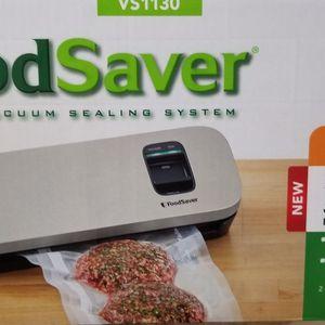 FoodSaver Vacuum Sealer VS 1130 for Sale in San Diego, CA