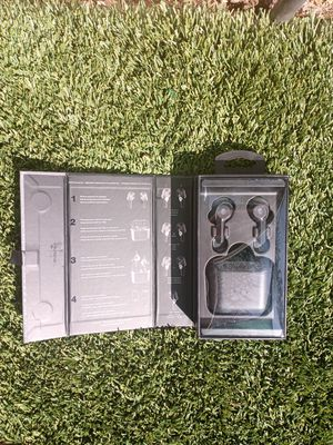 Wireless Bluetooth earbuds earphones Skullcandy headphones for Sale in Moreno Valley, CA