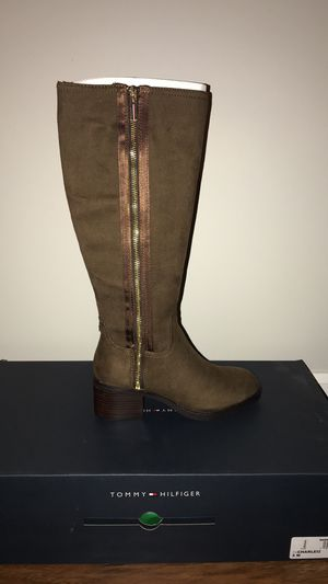 Tommy Hilfiger Boots for Sale in Batsto, NJ