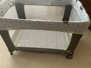 Pack and play with changing table and bassinet By Ingenuity for Sale in Huntersville, NC