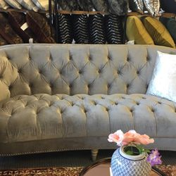 Brand New Grey Velvet Sofa!! for Sale in Des Plaines,  IL
