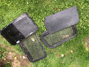 780 Volvo truck side glass and frame $50 each $100all together for Sale in Boring, OR